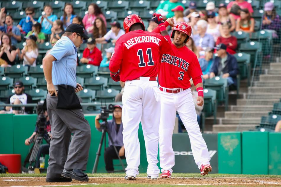 Canaries Draw Split on Goldeyes