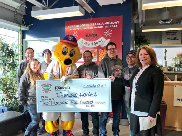 Goldeyes Staff Visit Winnipeg Harvest