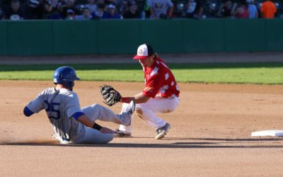 Goldeyes Edged in Extra-Inning Game