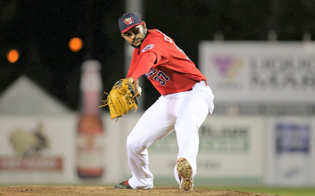 Goldeyes Beat Dogs in Pitching Duel